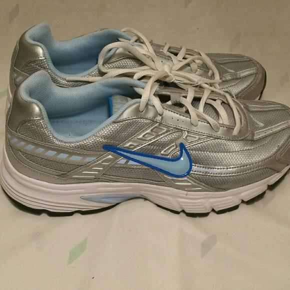 Nike initiator running shoes size 8